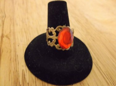 Antique gold metal adjustable ring red rhinestone