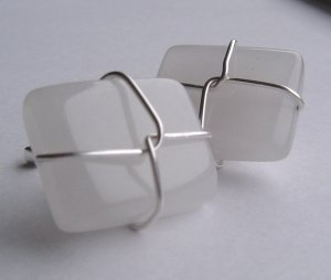 white quartz wired cufflinks