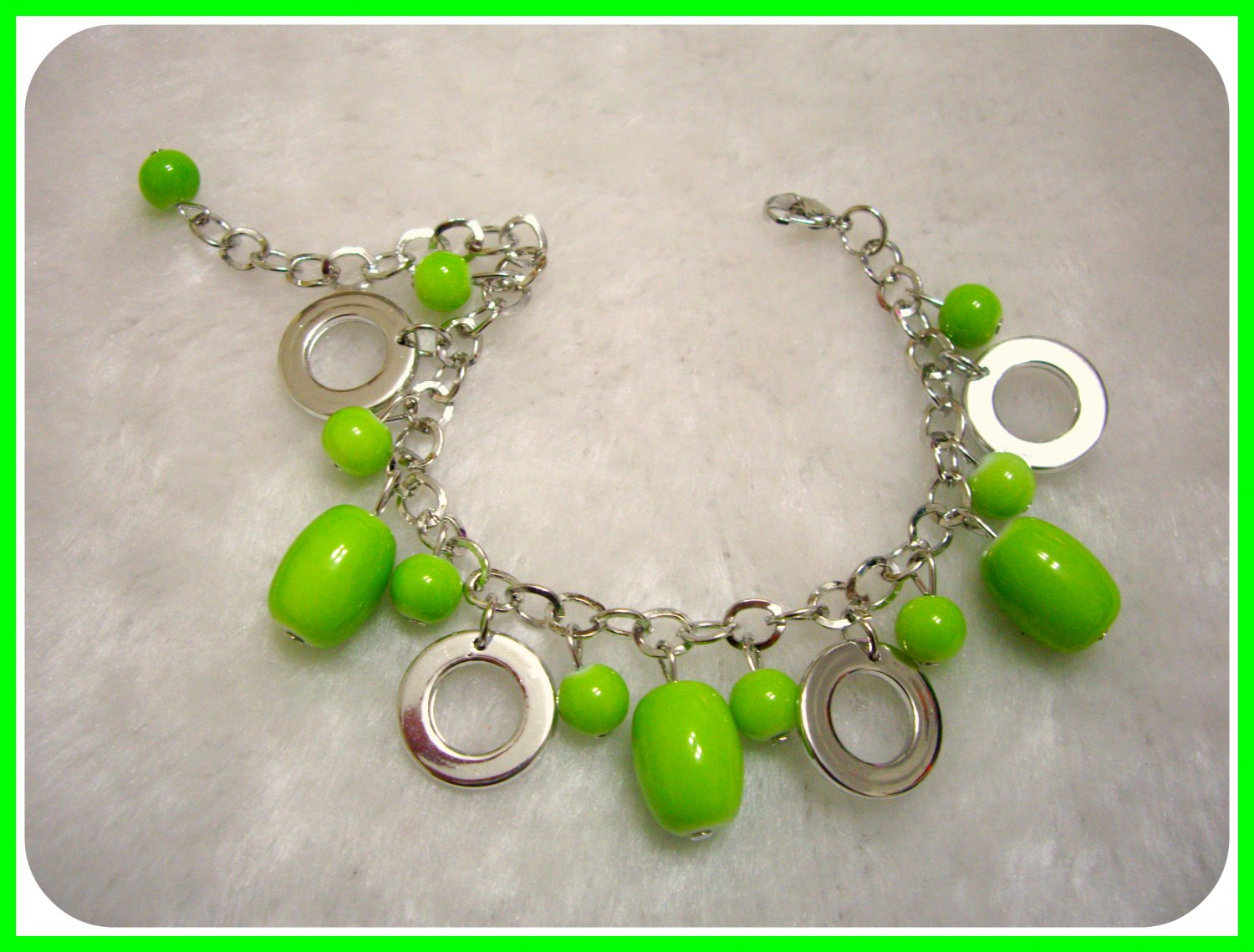 Fashionable Green Beads with Silver Hoop Bracelet