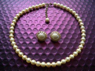 Ladies Faux Pearls Necklace & Earrings Studs Set