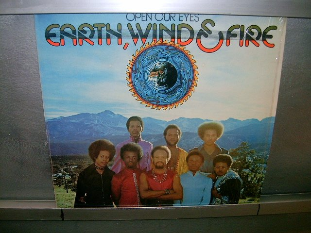 EARTH,WIND & FIRE open your eyes LP 1974 BLACK MUSIC SEMI-NOVO MUITO RARO VINIL