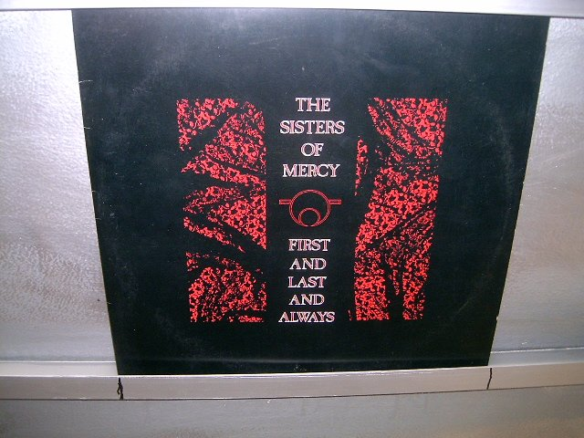 THE SISTERS OF MERCY first and last and always LP 1986 ROCK G�TICO SEMI-NOVO MUITO RARO VINIL