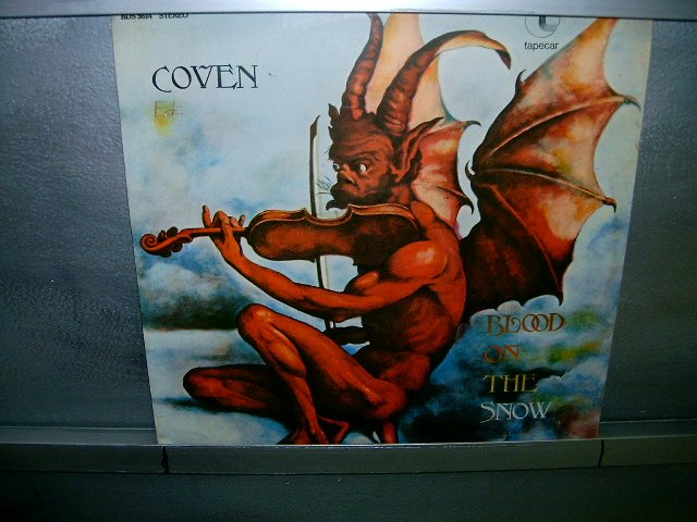 COVEN blood on the snow LP 197? ROCK MUITO RARO VINIL