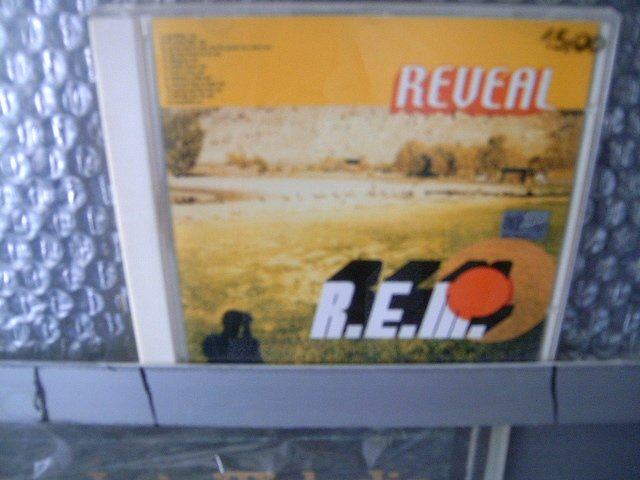R.E.M. reveal CD 2001 POP ROCK