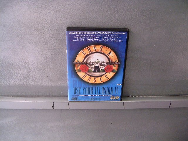 GUNS N' ROSES use your illusion 2 world tour - live in tokyo DVD 199? HARD ROCK