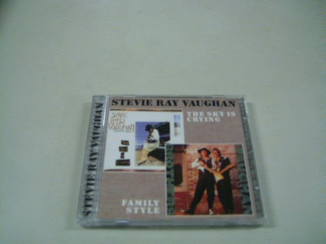 STEVIE RAY VAUGHAN the sky is crying family style CD 1991 1990 GUITAR BAND