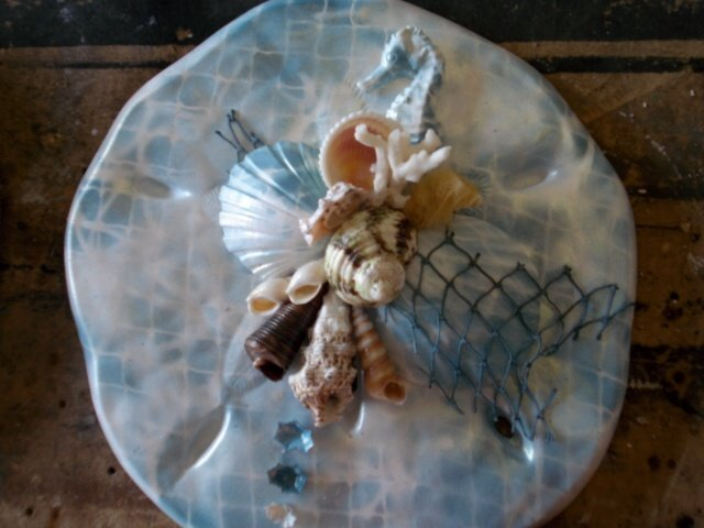 Sand Dollar Wall PLaque Light Blue/White with Seahorse