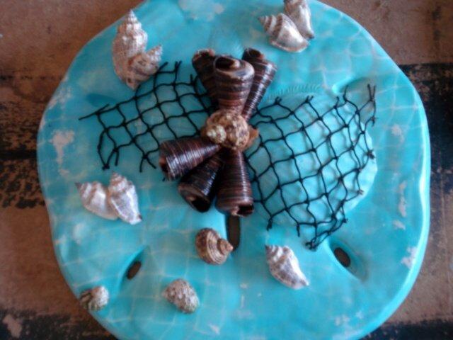 Sand Dollar Plaque Teal w/Black Shells