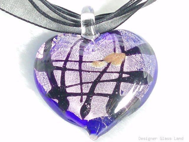 P209 MURANO GLASS HEART PENDANT NECKLACE