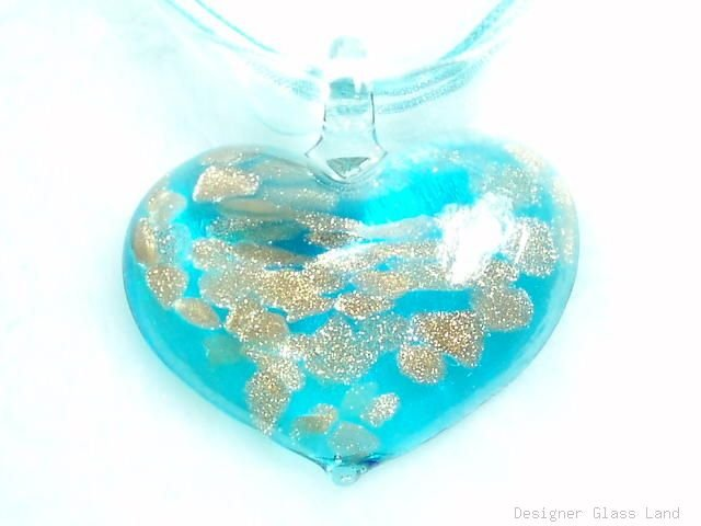 P210 MURANO GLASS BLUE HEART PENDANT NECKLACE