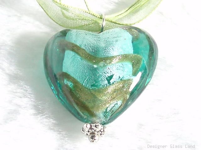 P330 MURANO LAMPWORK GLASS GREEN HEART PENDANT NECKLACE