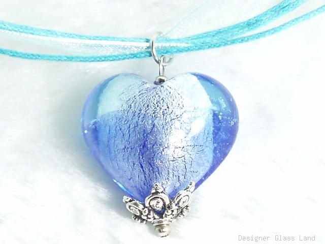 P425 MURANO GLASS BI COLOR BLUE HEART PENDANT NECKLACE