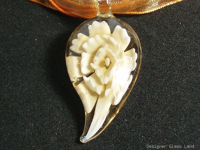 P616 MURANO GLASS PENDANT NECKLACE CREAMY FLOWER, FREE SHIPPING!!!