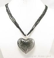 P959 HUGE BLOWN GLASS HEART PENDANT BEADS NECKLACE  **FREE SHIPPING**