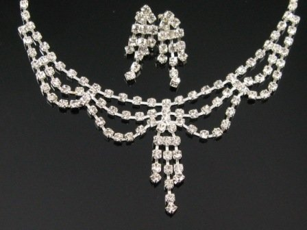 WS009 Elegant Simulated Diamond Silver Wedding Bridal Necklace Earrings Set Best for Gift