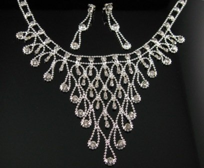 WS010 Elegant Simulated DiamondSilver Wedding Bridal Necklace Earrings Set Best for Gift