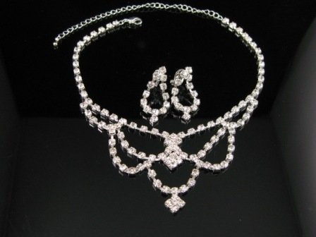 WS012 Elegant Simulated Diamond Necklace Earrings Set Best for Gift