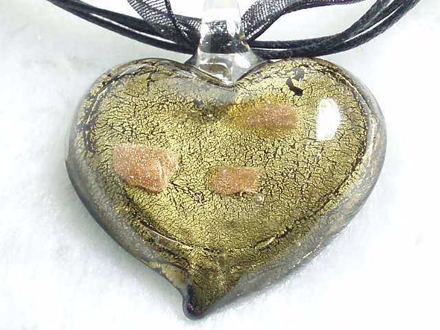 P506 Lampwork Glass Golden Black Heart Pendant Necklace