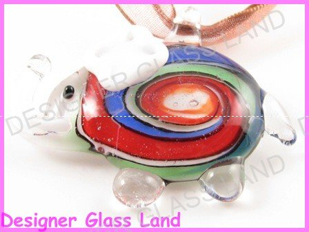 P824F LAMPWORK GLASS WHITE ELEPHANT PENDANT NECKLACE