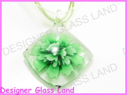 P863F LAMPWORK GLASS 3D GREEN DIAMOND SHAPED PENDANT