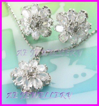"""AS253F White Topaz Floral Oval Round Cut 18K White Gold Plated Pendant Necklace Earrings Set 16"""""""
