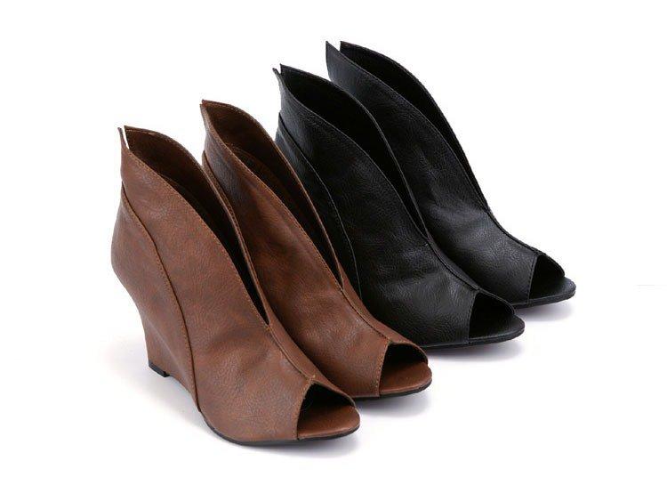 Plain v fish mouth slope shoes