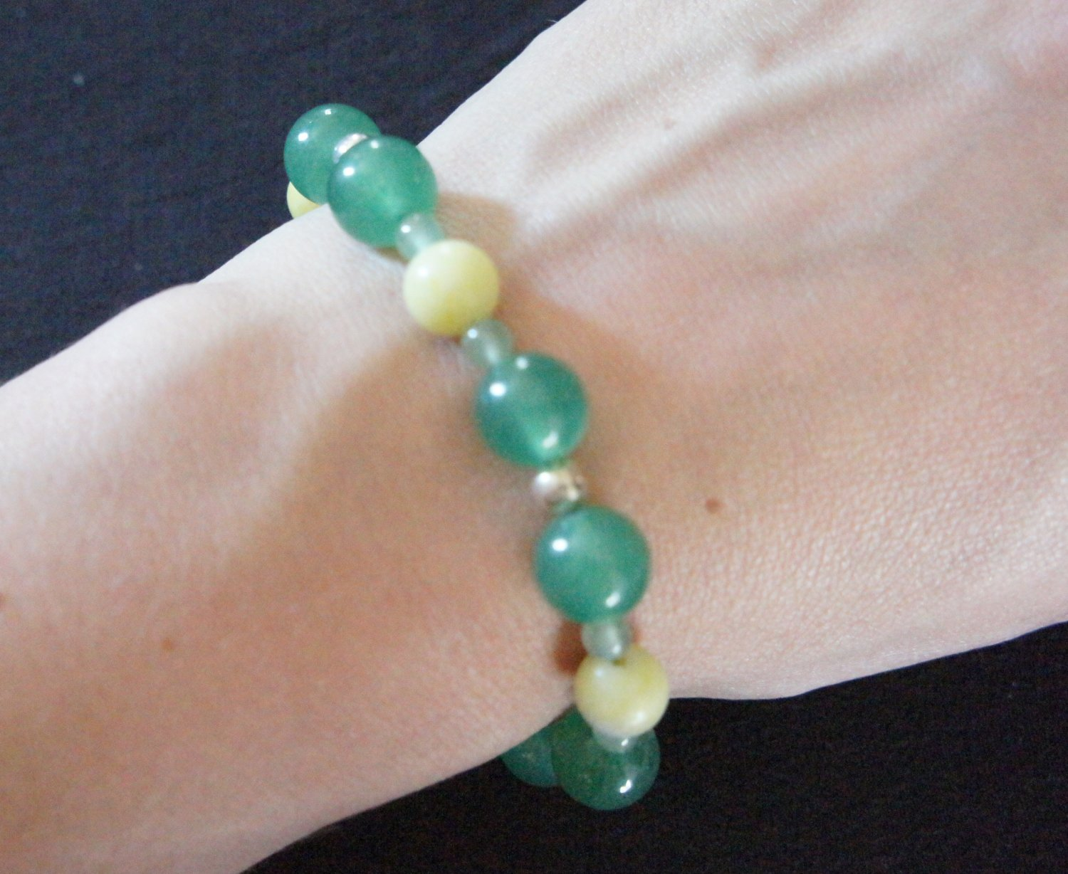 Green and yellow bracelet with magnetic clasp
