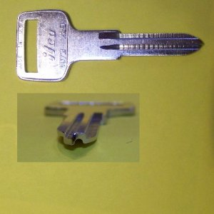 Key Blank Volvo 73-76, MG 78-81, Delorean X29 V073