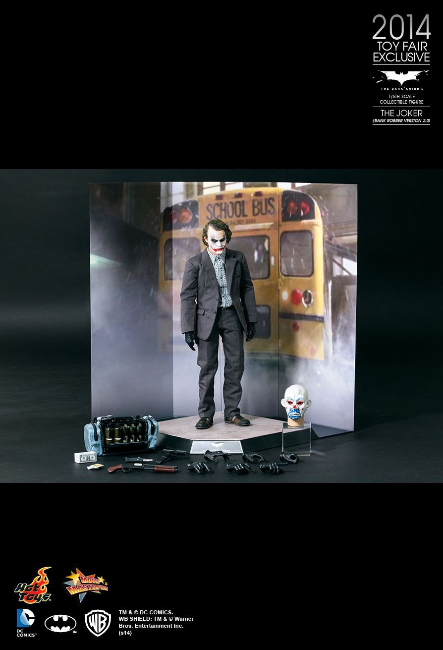 Hot Toys The Dark Knight : The Joker (Bank Robber Version) Collectible Figure