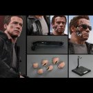 Hot Toys Terminator Genisys : T-800 Guardian Collectible Figure