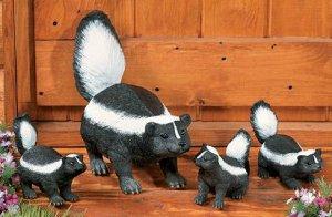 Skunk Family Garden Yard Decor