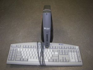 Sun Ray 1 Network Workstation with keyboard and stand