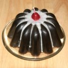 Bundt Cake Candle - Devil's Food
