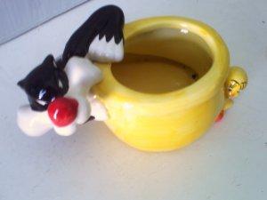Sylvester And Tweety Bird Warner Brothers Planter
