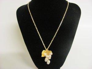 Chain Pearl Grape Pendant