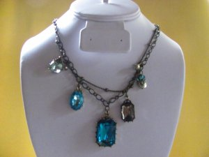 Baroque Style Chain Pendant Necklace