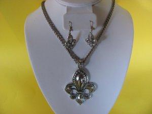 Fleur de Lis Pendant Necklace, Earring Set