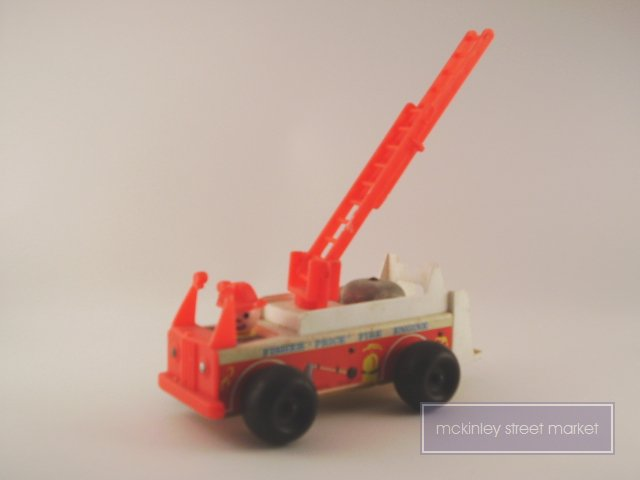 FP 1968 FISHER PRICE FIRE ENGINE 720