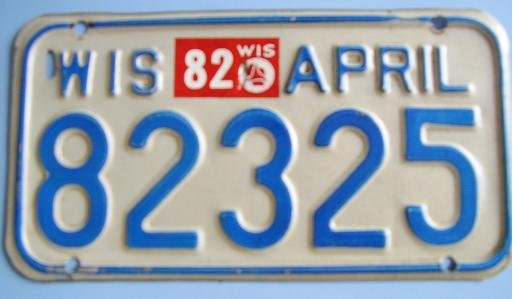 WISCONSIN MOTORCYCLE LICENSE PLATE 1982