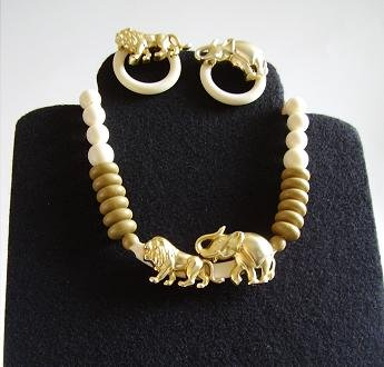 LION ELEPHANT SAFARI NECKLACE EARRINGS SET