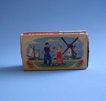 DIAMOND MATCHBOX 1952 HOLLAND SCENE