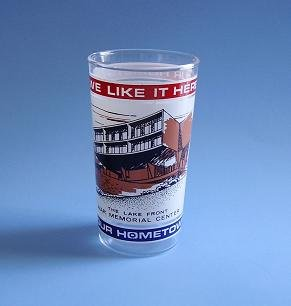 "RARE MILWAUKEE COMMEMORATIVE GLASS LAKE FRONT WAR MEMORIAL CENTER ""WE LIKE IT HERE"" 70'S"