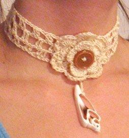 clochet shell necklace