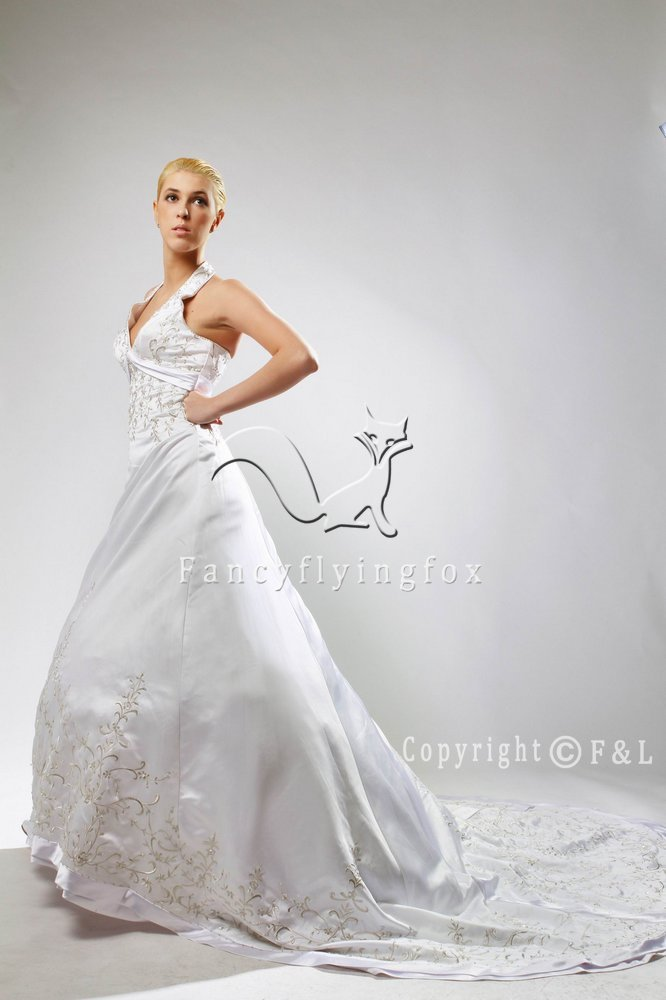 White Halter Emboridery Satin Cheap Bridal Gown 25639