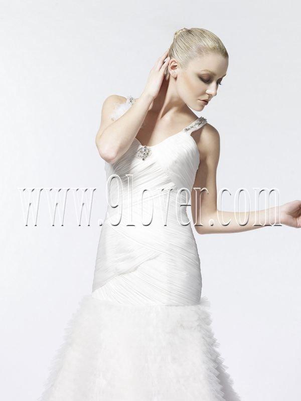 Victorian Sheath High Neck Bridal Gown