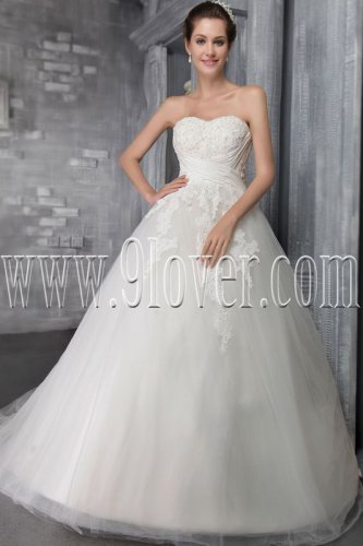 classic sweetheart white tulle ball gown floor length wedding dress with appliques IMG-2570