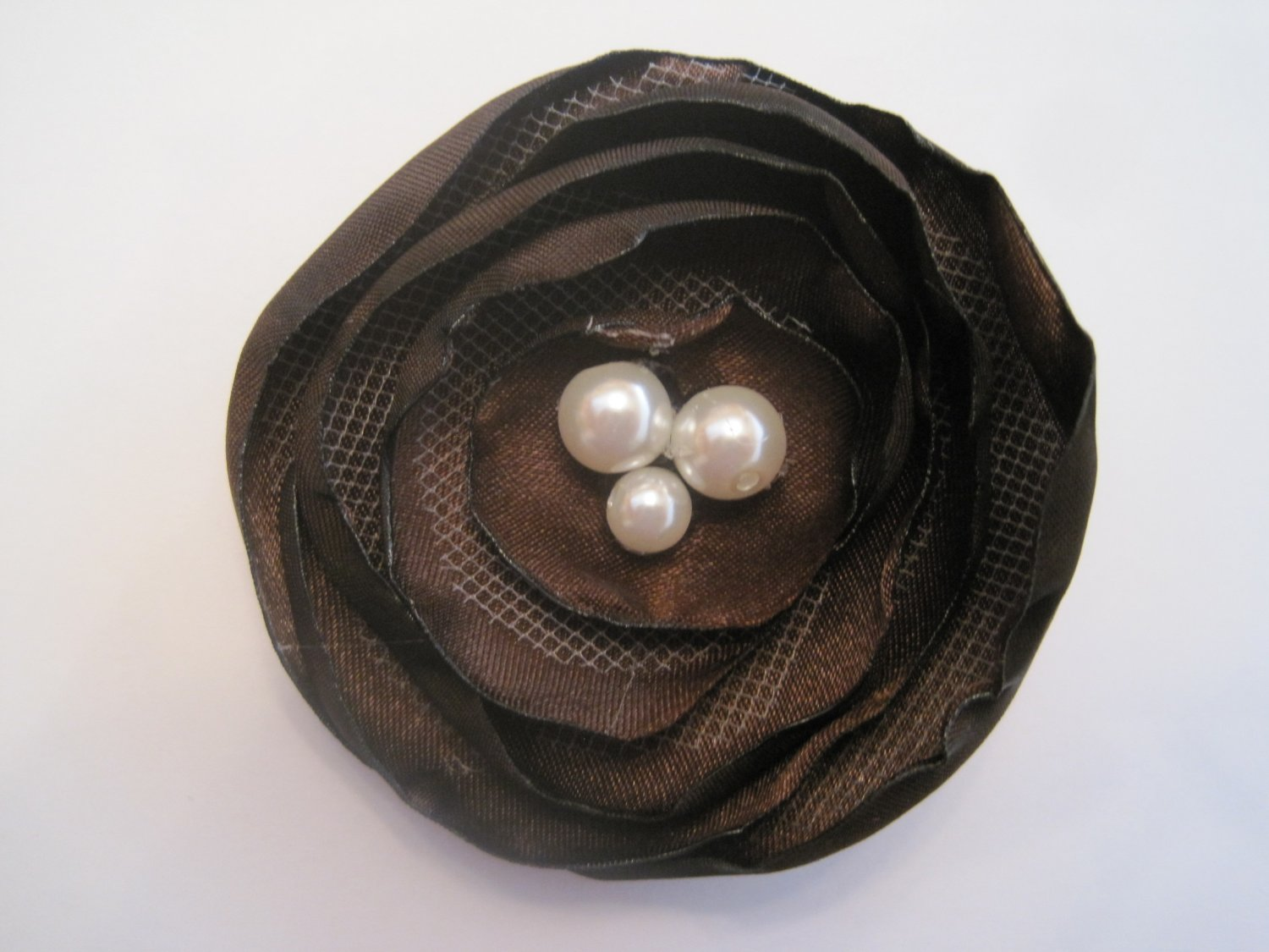 Brown Circle Flower - Multi-pearl Center