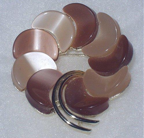 Lisner Lovely Vintage Brown Hued ThermoPlastic Circle Brooch