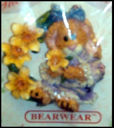 BRAND NEW BOYDS BEARS FLORAL COLLECTION DAFFODIL BEAR PIN BEAR WEARABLES SO CUTE