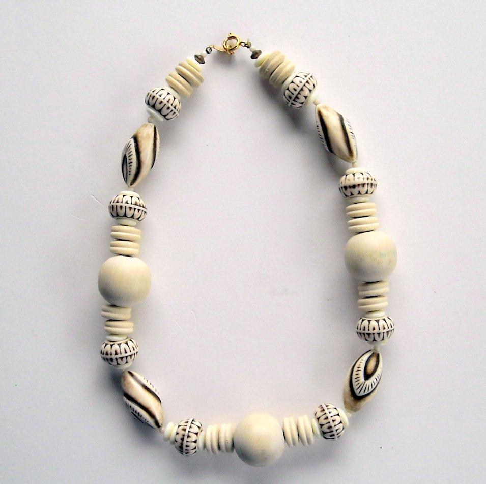 Vintage Freirich Art Deco Style Wood Beads Choker Necklace